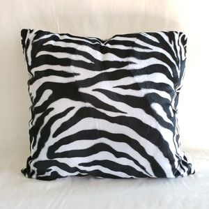 Other - Set of 2 Decorative Pillows